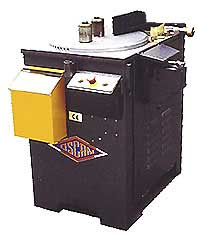 Комбинированная гибочно-резательная машина. Применяется для загибания арматурной стали диаметром до 32мм и отрезания арматуры диаметром до 30мм